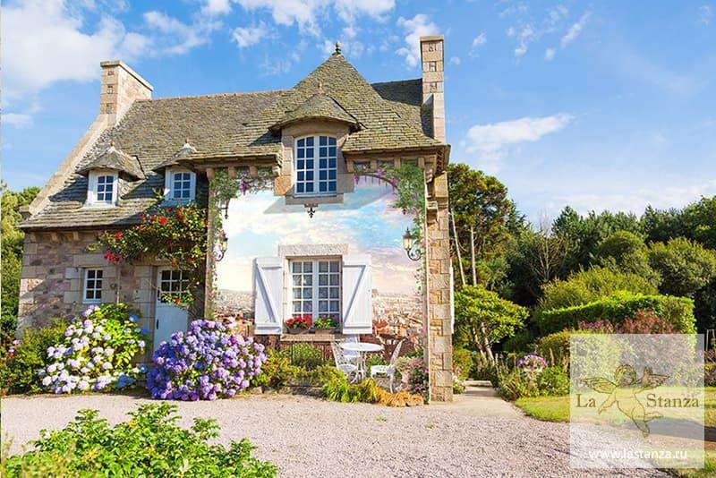 Фреска с пейзажем с глицинией на фасаде дома